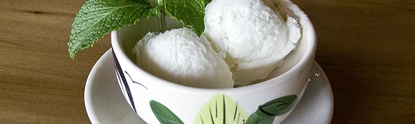 Ice Cream (Coconut and green tea)